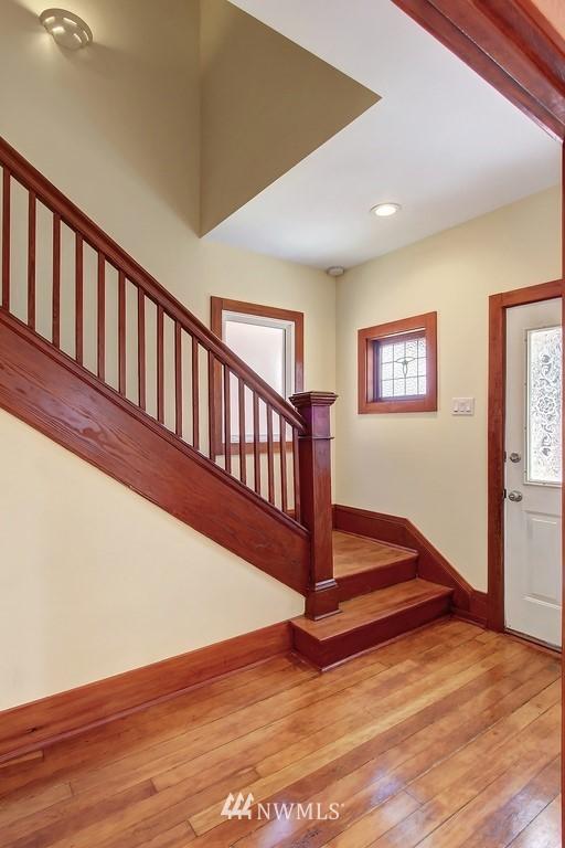 Sold Property   514 N 79th Street Seattle, WA 98103 9
