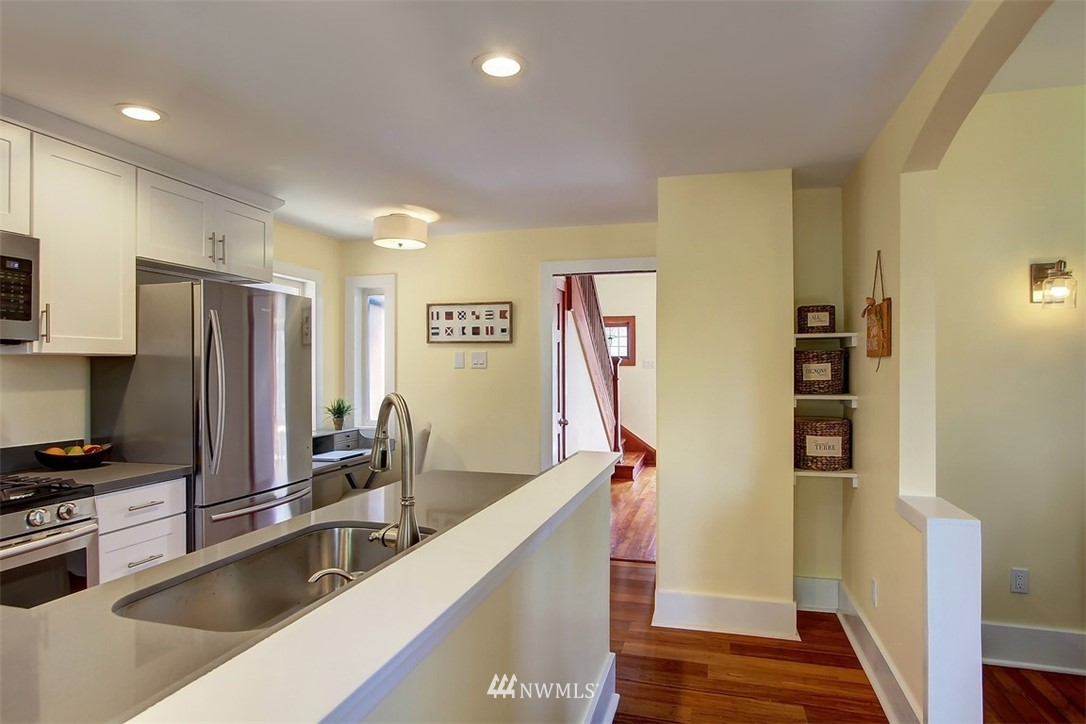 Sold Property   514 N 79th Street Seattle, WA 98103 7