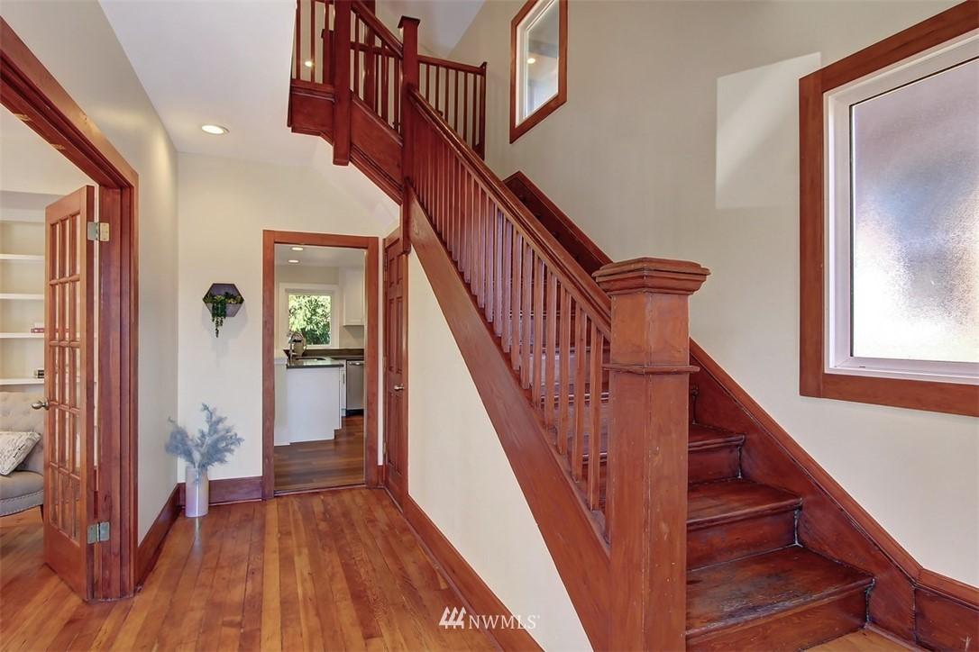 Sold Property   514 N 79th Street Seattle, WA 98103 10