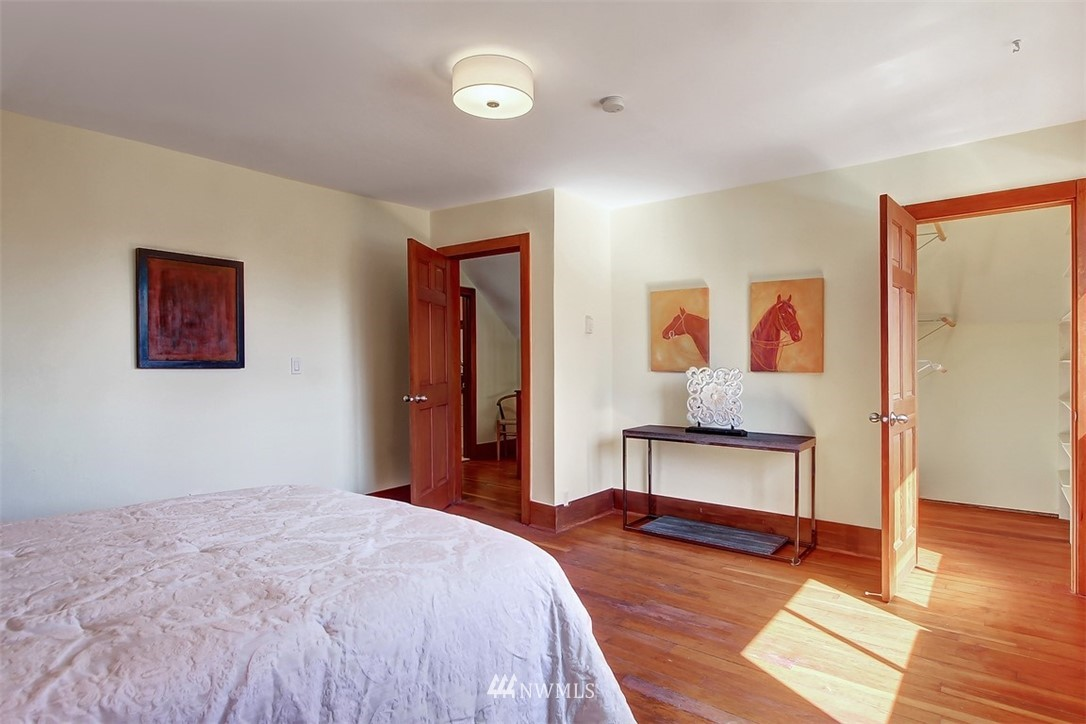 Sold Property   514 N 79th Street Seattle, WA 98103 12