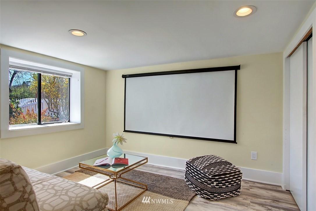Sold Property   514 N 79th Street Seattle, WA 98103 17