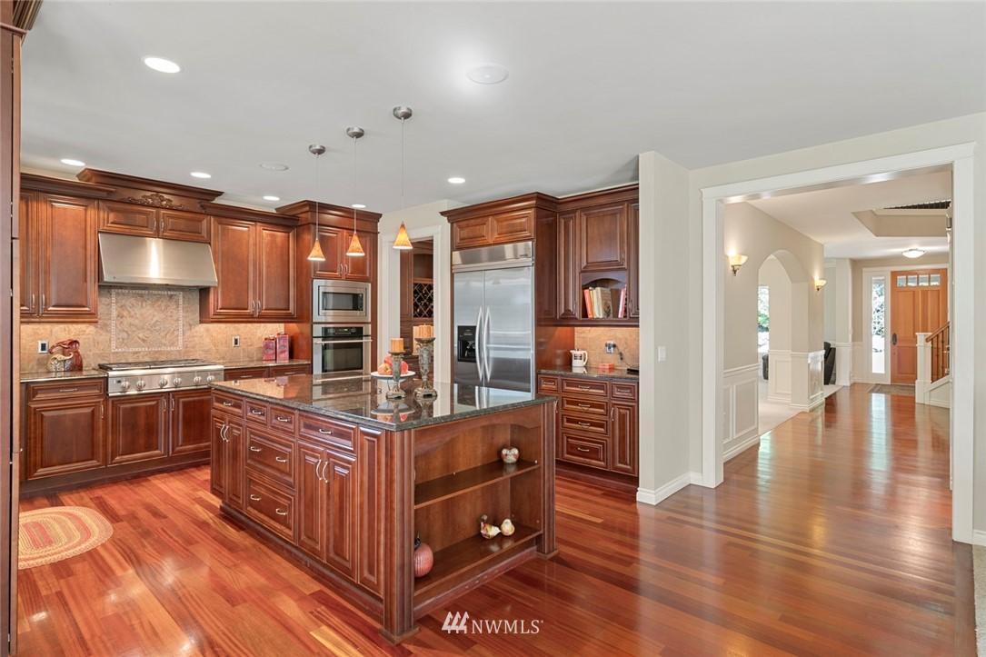 Sold Property | 19025 NE 183rd Street Woodinville, WA 98077 9