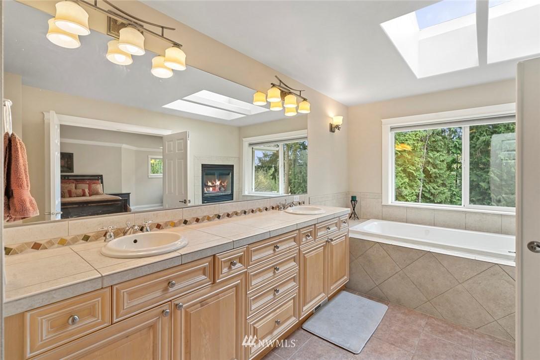 Sold Property | 19025 NE 183rd Street Woodinville, WA 98077 23