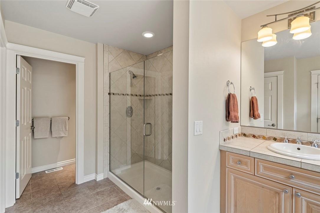 Sold Property | 19025 NE 183rd Street Woodinville, WA 98077 24
