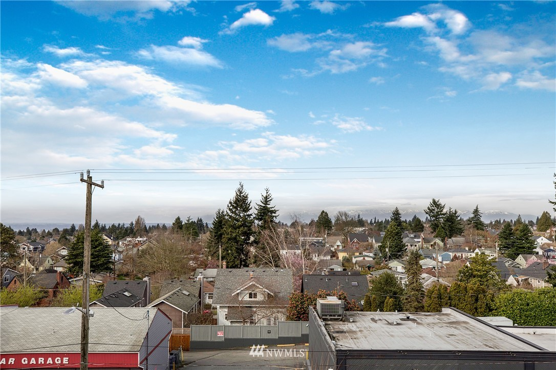 Sold Property | 7500 15th Avenue NW Seattle, WA 98117 32
