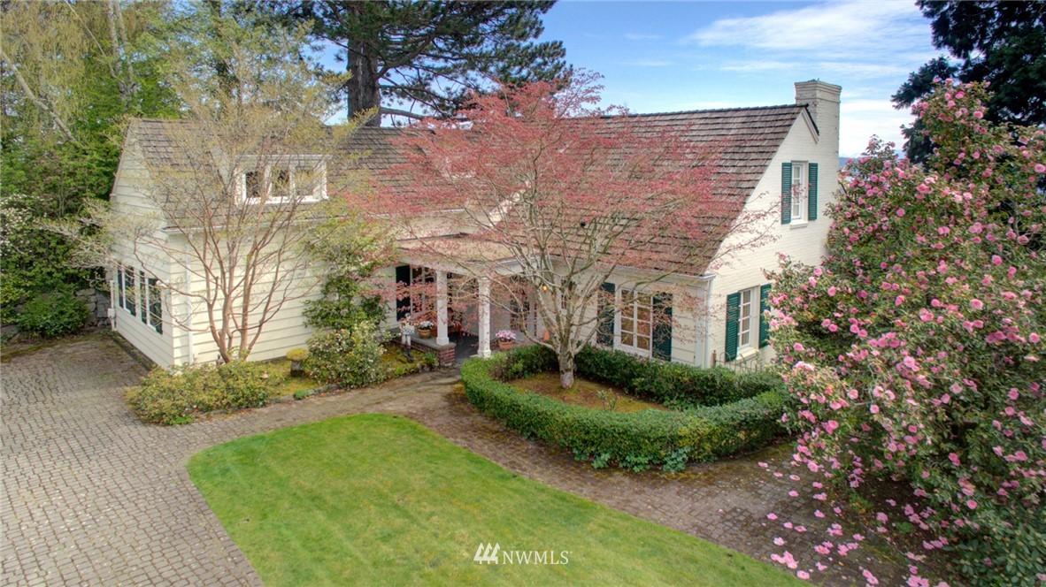 Sold Property | 5600 Ann Arbor Avenue NE Seattle, WA 98105 0