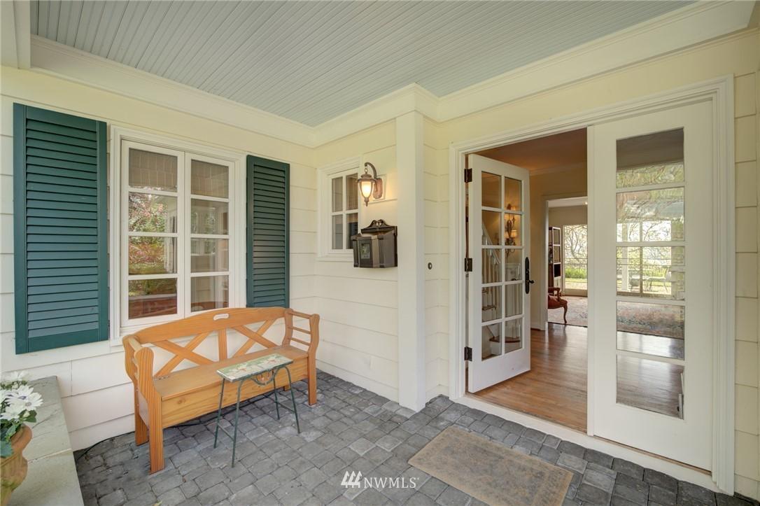 Sold Property | 5600 Ann Arbor Avenue NE Seattle, WA 98105 1