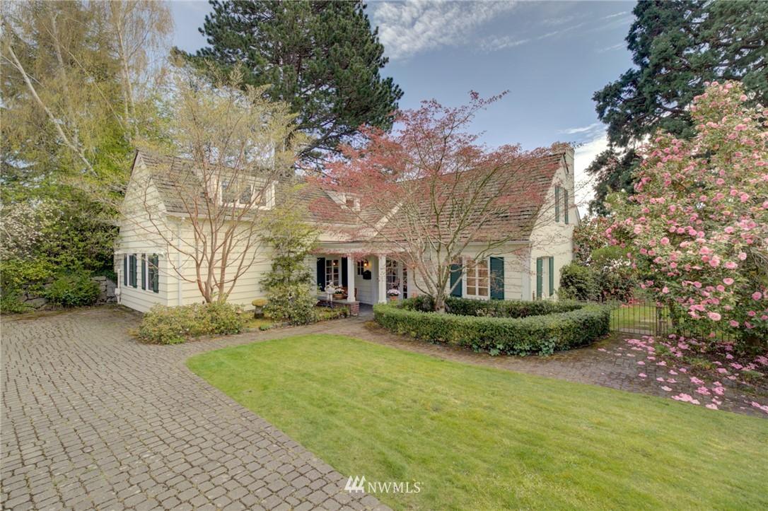 Sold Property | 5600 Ann Arbor Avenue NE Seattle, WA 98105 2