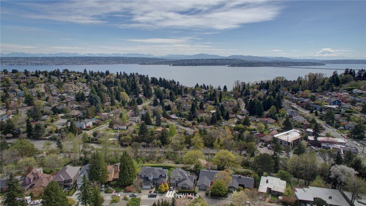 Sold Property | 5600 Ann Arbor Avenue NE Seattle, WA 98105 3
