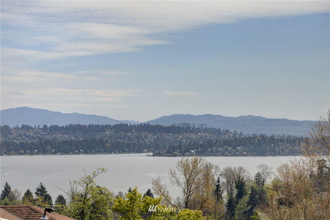 Sold Property | 5600 Ann Arbor Avenue NE Seattle, WA 98105 6