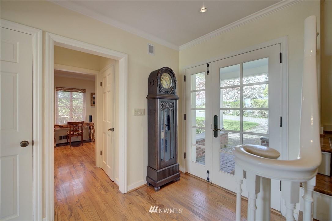 Sold Property | 5600 Ann Arbor Avenue NE Seattle, WA 98105 8