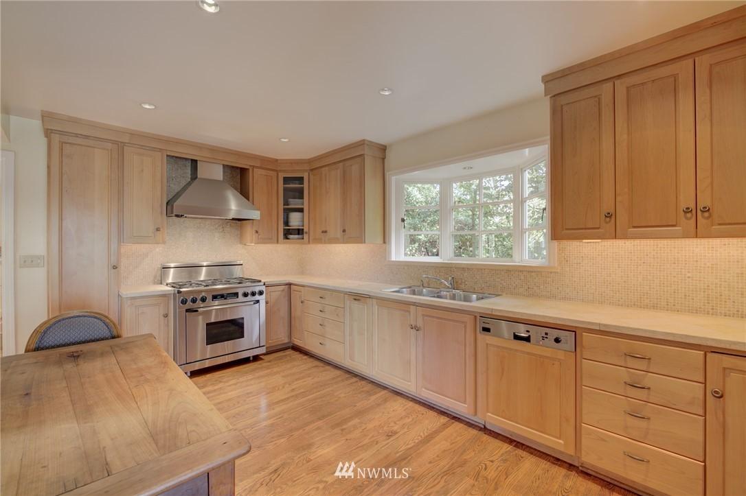 Sold Property | 5600 Ann Arbor Avenue NE Seattle, WA 98105 16
