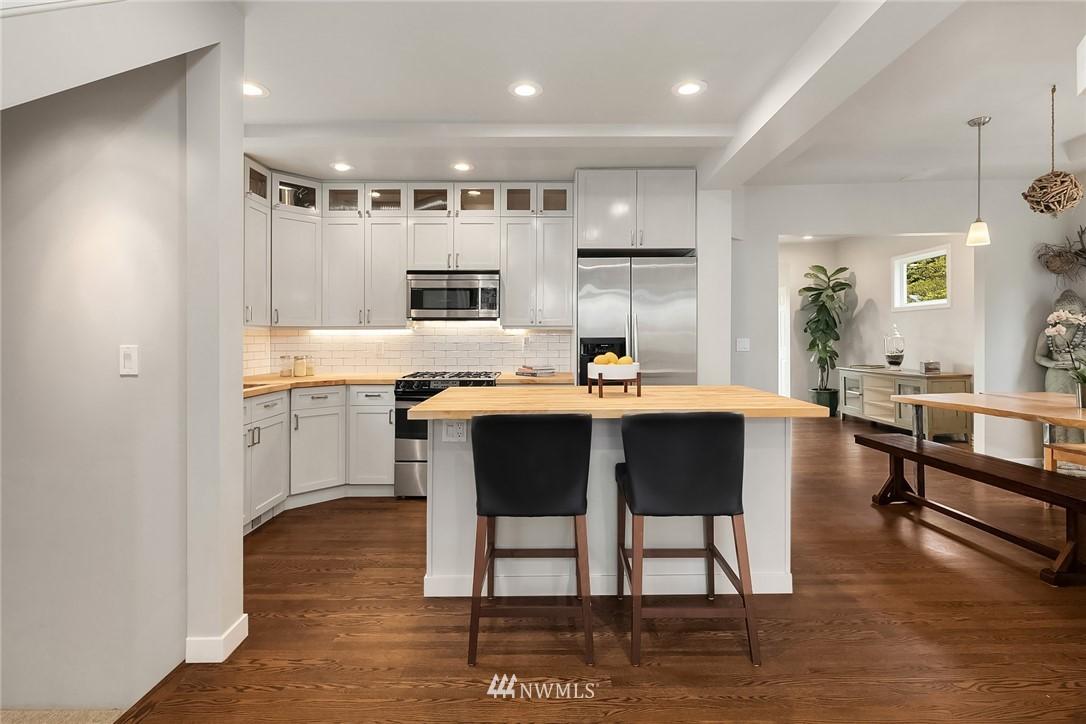 Sold Property   9610 8th Avenue NE Seattle, WA 98115 10