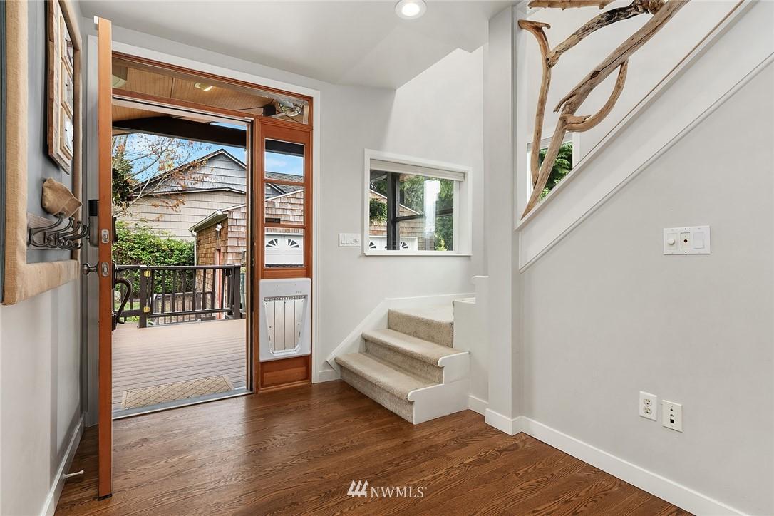 Sold Property   9610 8th Avenue NE Seattle, WA 98115 12