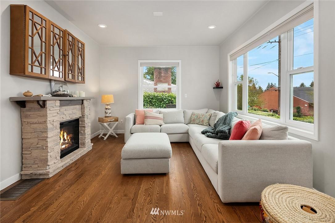 Sold Property   9610 8th Avenue NE Seattle, WA 98115 4