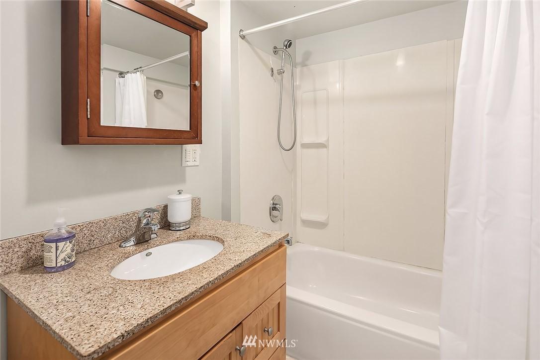 Sold Property   9610 8th Avenue NE Seattle, WA 98115 19