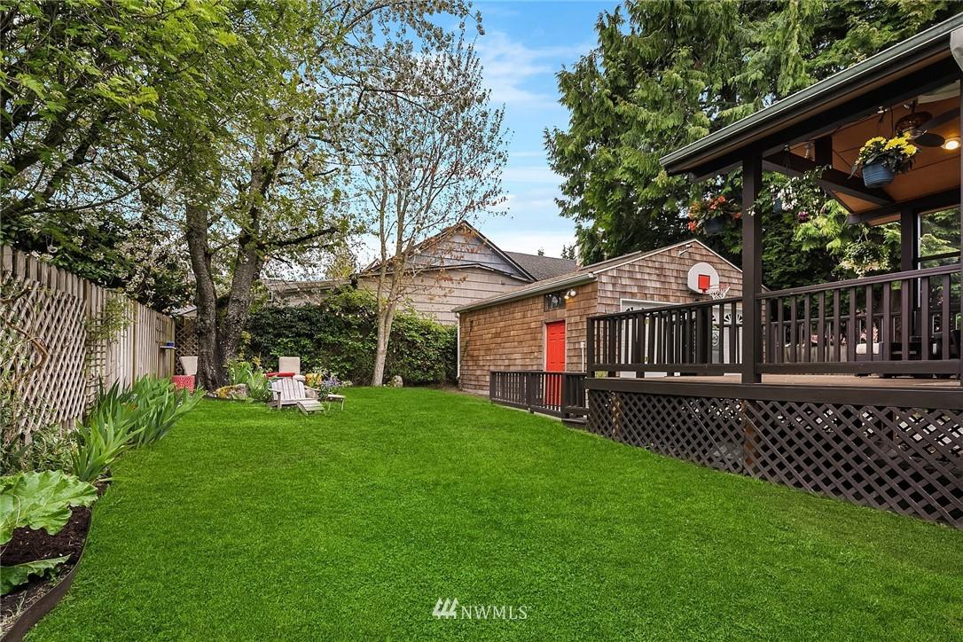 Sold Property   9610 8th Avenue NE Seattle, WA 98115 23