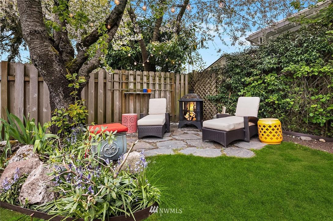 Sold Property   9610 8th Avenue NE Seattle, WA 98115 24