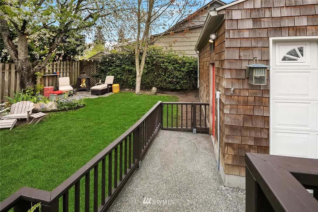 Sold Property   9610 8th Avenue NE Seattle, WA 98115 26