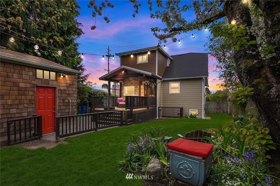 Sold Property   9610 8th Avenue NE Seattle, WA 98115 28