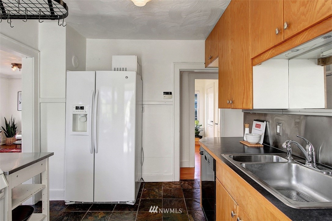 Sold Property   5608 Renton Avenue S Seattle, WA 98118 6