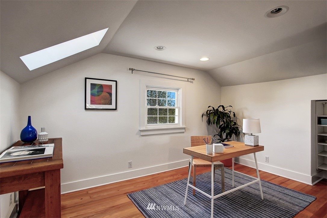 Sold Property   5608 Renton Avenue S Seattle, WA 98118 12