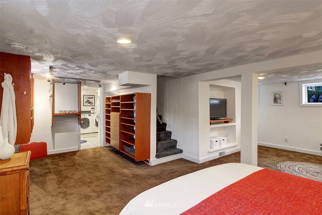 Sold Property   5608 Renton Avenue S Seattle, WA 98118 15