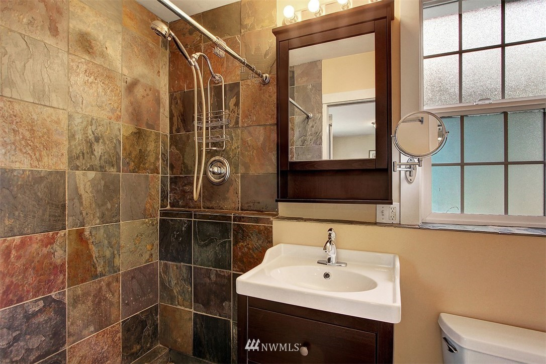 Sold Property   5608 Renton Avenue S Seattle, WA 98118 20