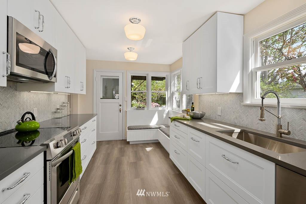 Sold Property | 8008 21st Avenue NW Seattle, WA 98117 10