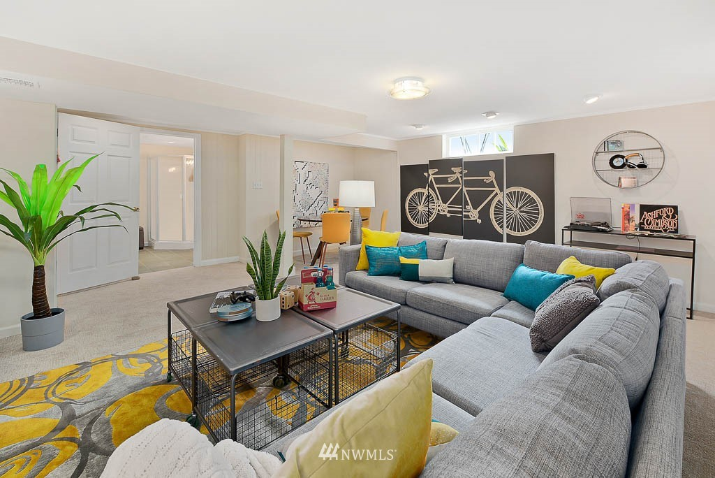 Sold Property | 8008 21st Avenue NW Seattle, WA 98117 17