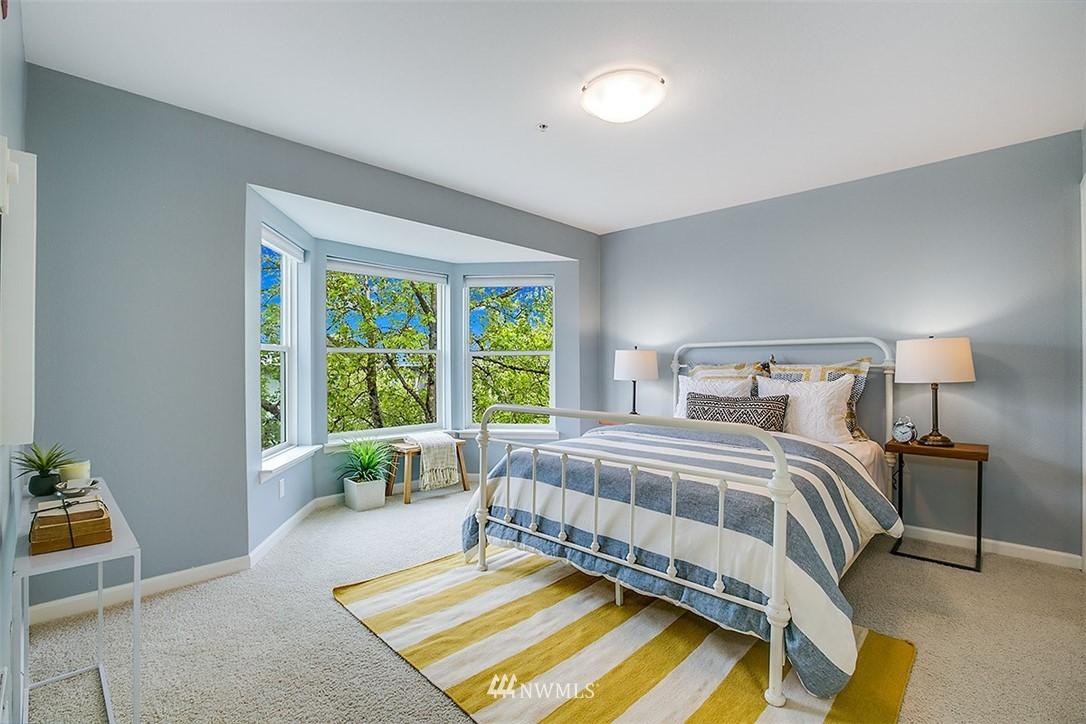 Sold Property | 621 5th Avenue N #409 Seattle, WA 98109 8