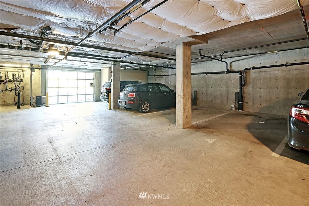 Sold Property | 7116 Greenwood Avenue N #403 Seattle, WA 98103 28