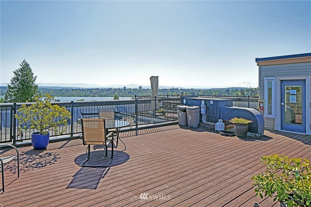 Sold Property | 7116 Greenwood Avenue N #403 Seattle, WA 98103 24