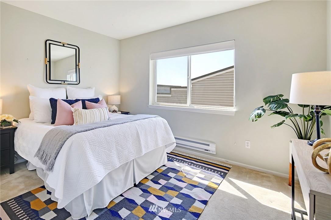 Sold Property | 7116 Greenwood Avenue N #403 Seattle, WA 98103 21