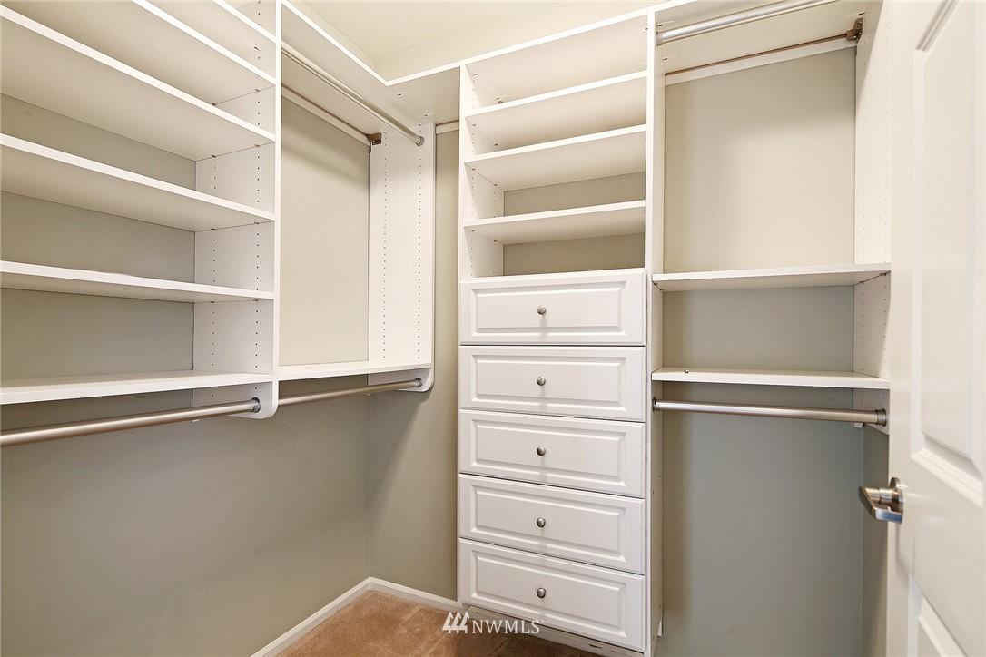 Sold Property | 7116 Greenwood Avenue N #403 Seattle, WA 98103 20