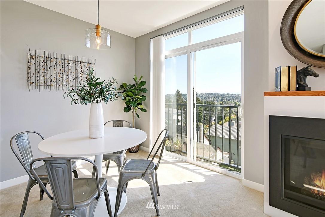 Sold Property | 7116 Greenwood Avenue N #403 Seattle, WA 98103 11