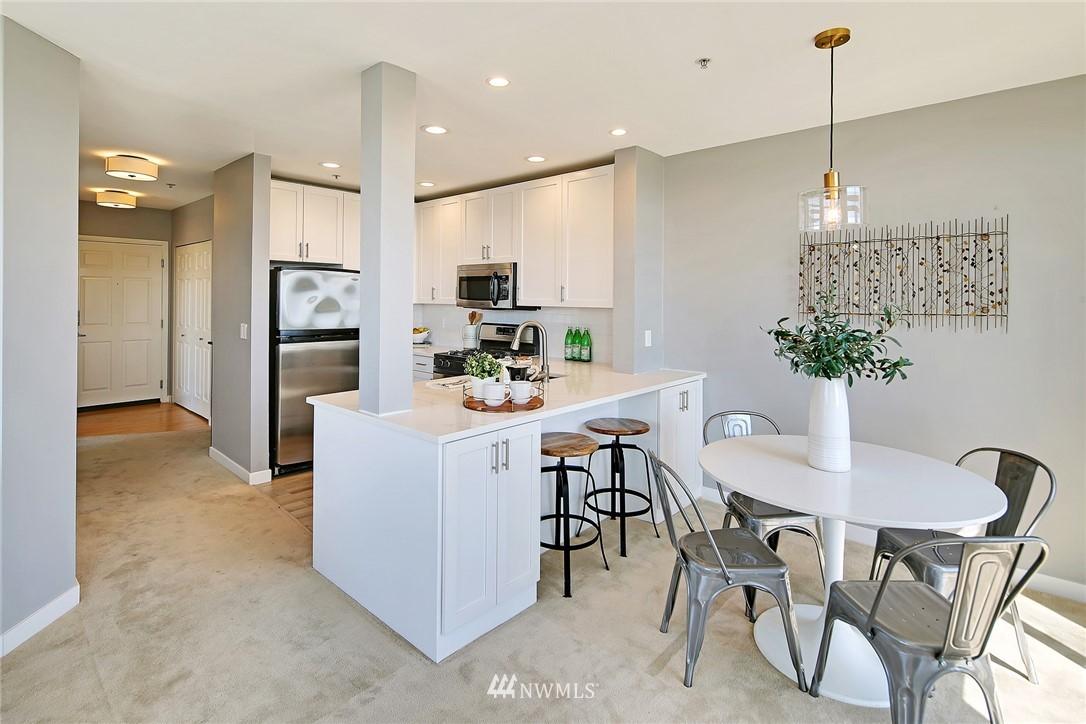 Sold Property | 7116 Greenwood Avenue N #403 Seattle, WA 98103 12