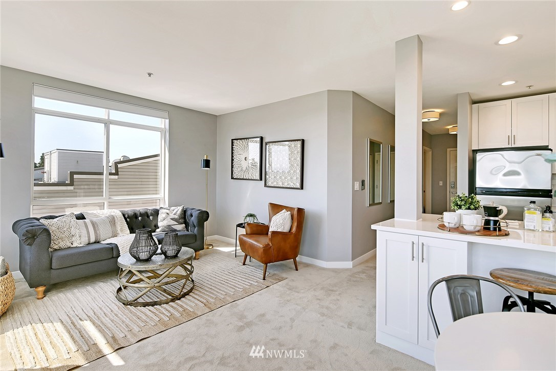 Sold Property | 7116 Greenwood Avenue N #403 Seattle, WA 98103 14