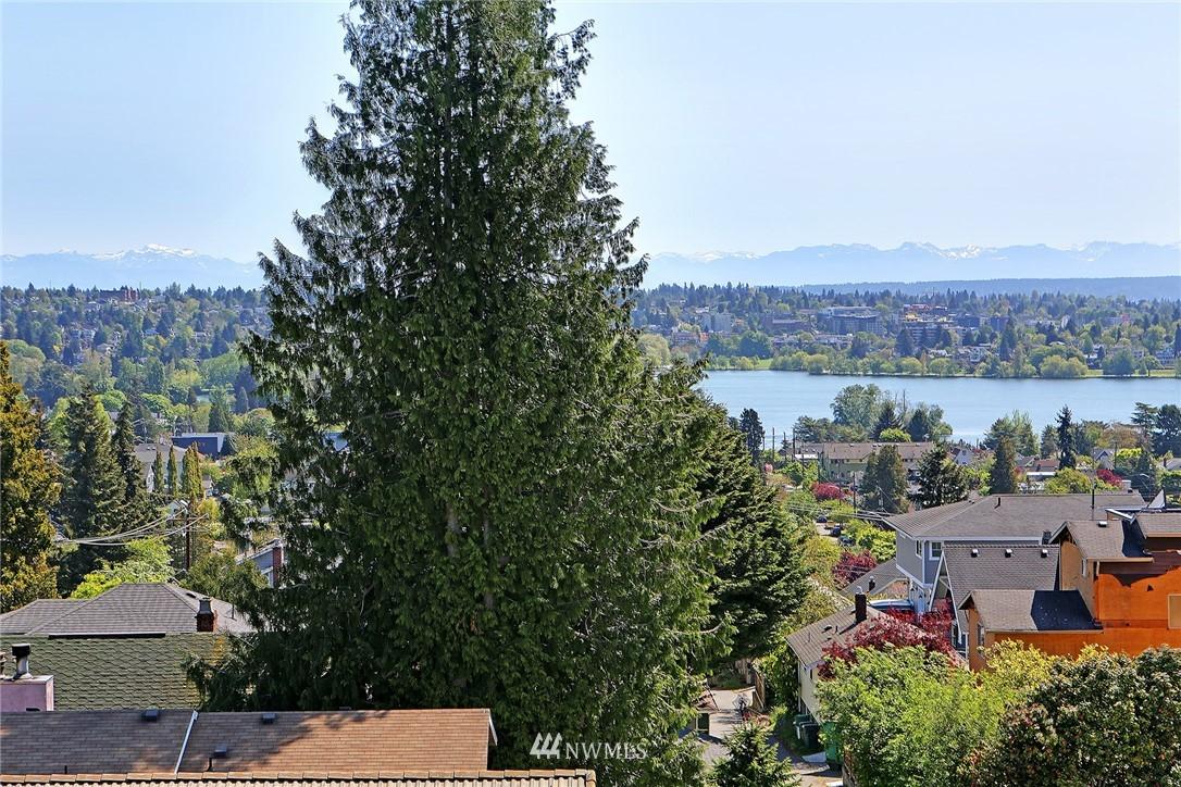 Sold Property | 7116 Greenwood Avenue N #403 Seattle, WA 98103 7