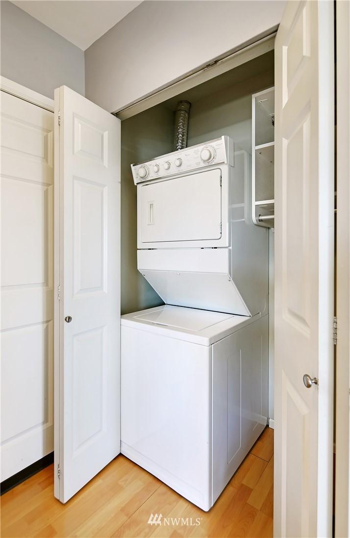 Sold Property | 7116 Greenwood Avenue N #403 Seattle, WA 98103 26