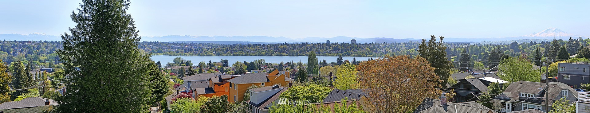 Sold Property | 7116 Greenwood Avenue N #403 Seattle, WA 98103 6
