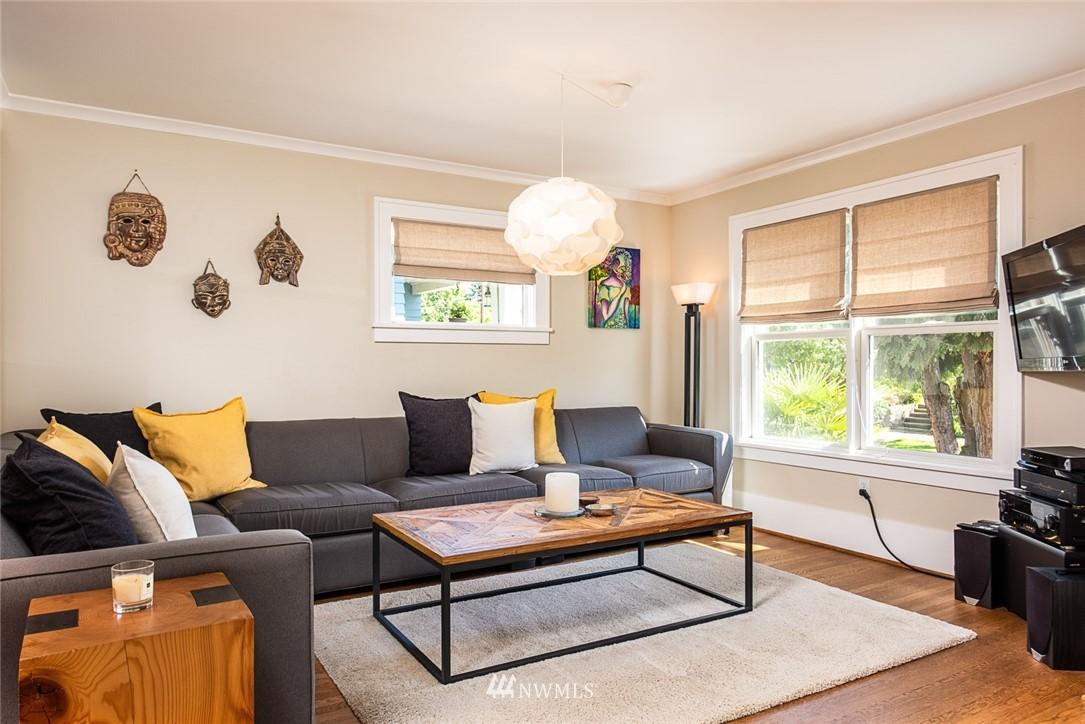 Sold Property | 102 NE 60th Street Seattle, WA 98115 2