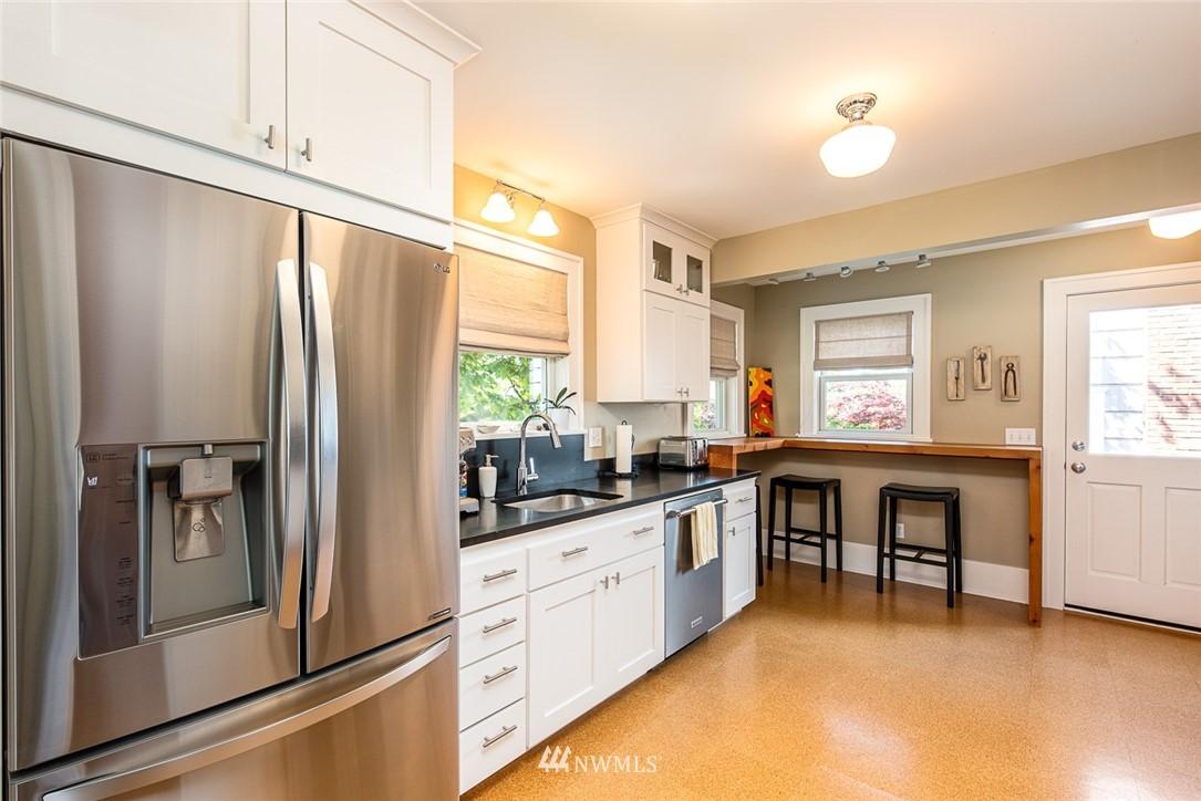 Sold Property | 102 NE 60th Street Seattle, WA 98115 5