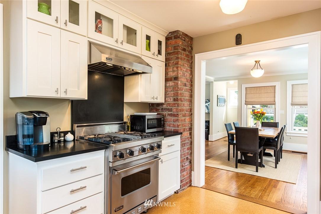 Sold Property | 102 NE 60th Street Seattle, WA 98115 6