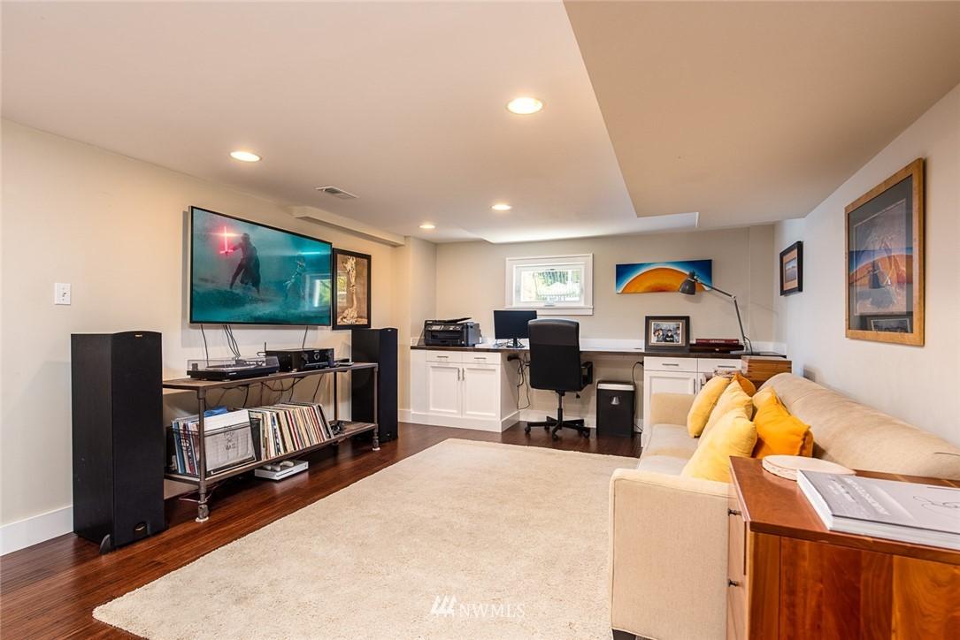 Sold Property | 102 NE 60th Street Seattle, WA 98115 10