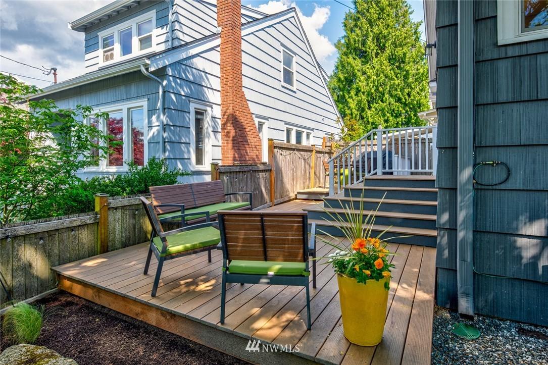 Sold Property | 102 NE 60th Street Seattle, WA 98115 17