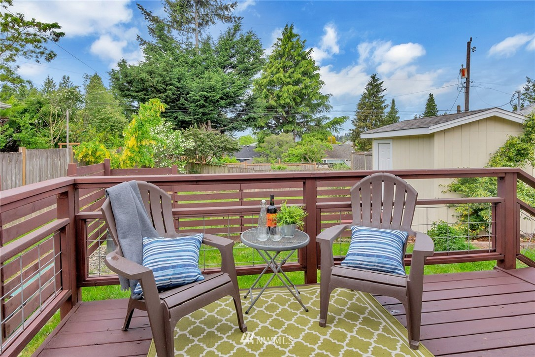 Sold Property | 8641 17th Avenue SW Seattle, WA 98106 13