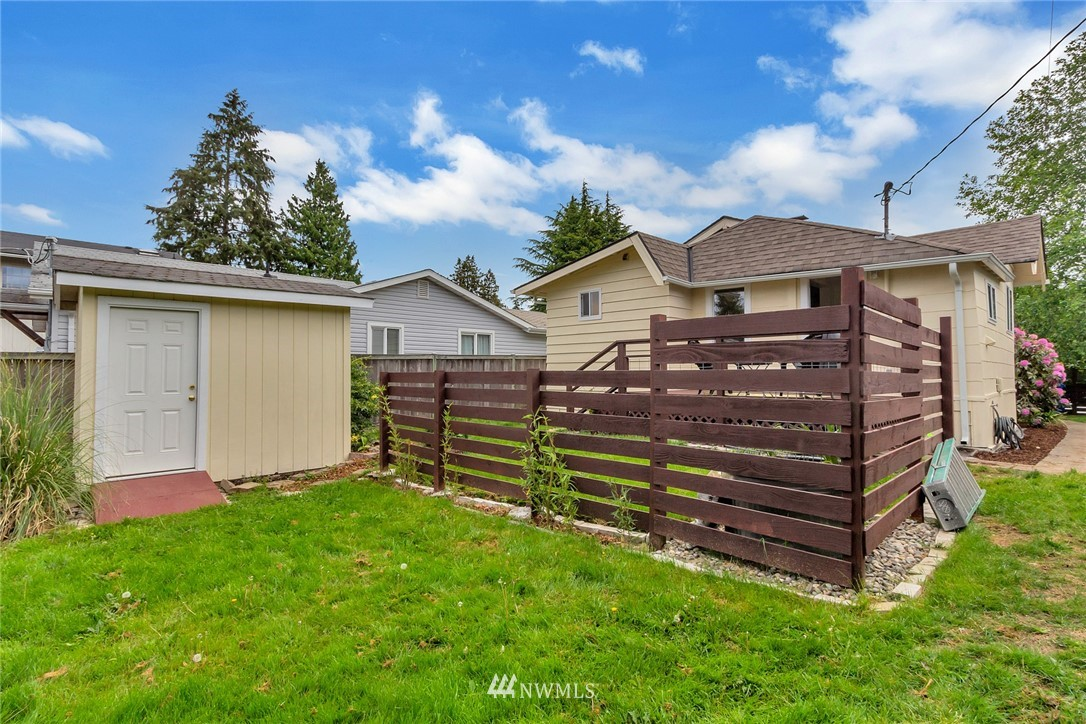 Sold Property | 8641 17th Avenue SW Seattle, WA 98106 14