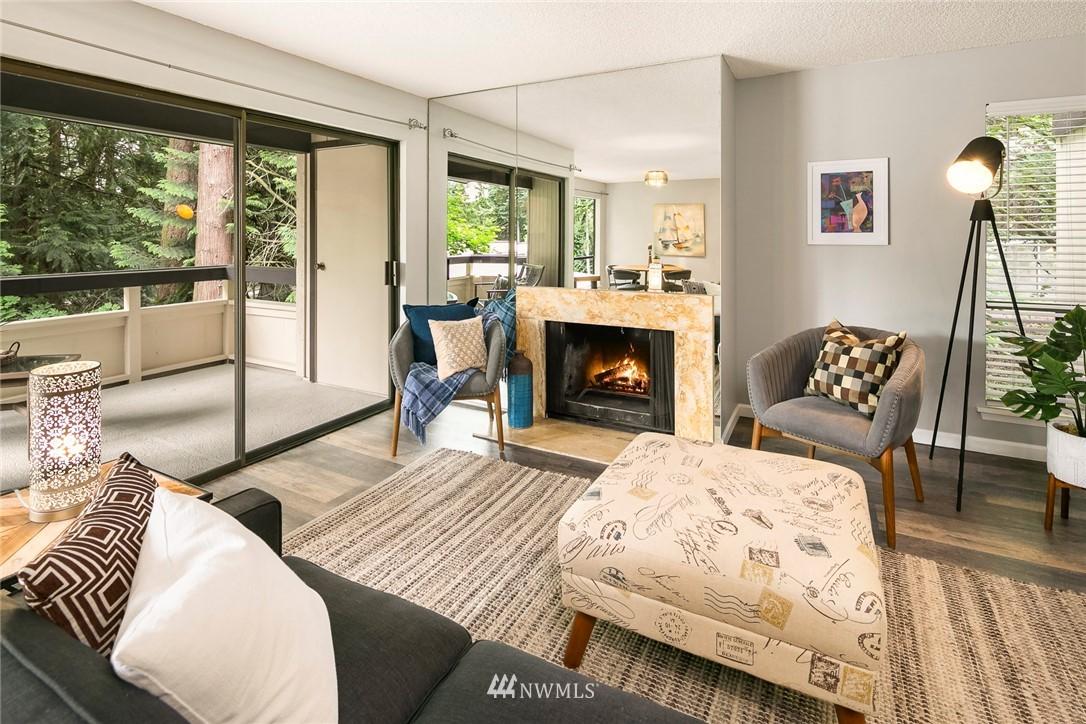 Sold Property | 13739 15th Avenue NE #B10 Seattle, WA 98125 10