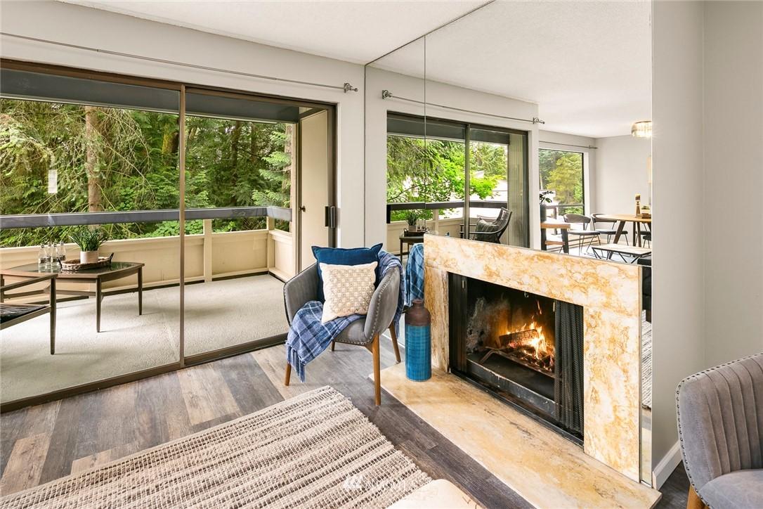 Sold Property | 13739 15th Avenue NE #B10 Seattle, WA 98125 11